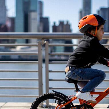 Lehre dein Kind Radfahren: einige praktische Übungen