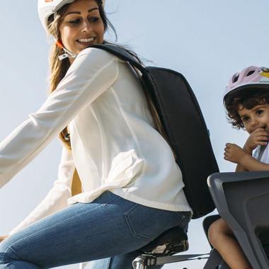 Ich will mein Kind auf dem Fahrrad mitnehmen, welche Lösungen gibt es?