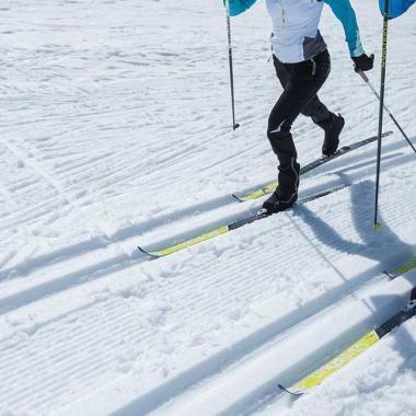 Welche Ausrüstung für den klassischen Skilanglauf passt zu dir?