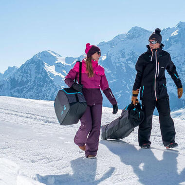 Den Koffer für den Skiurlaub richtig packen