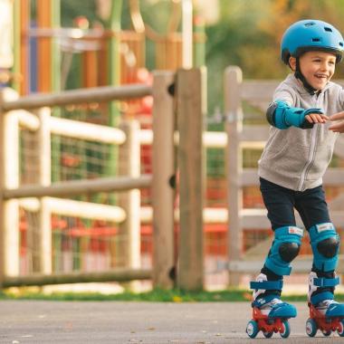 Inlineskaten für Kinder: 5 Tipps und Tricks, damit es schneller lernt