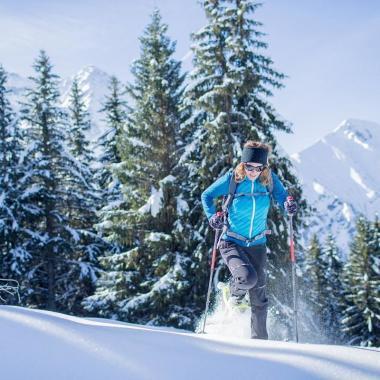 So wählst du die richtigen Schuhe für Winterwanderungen