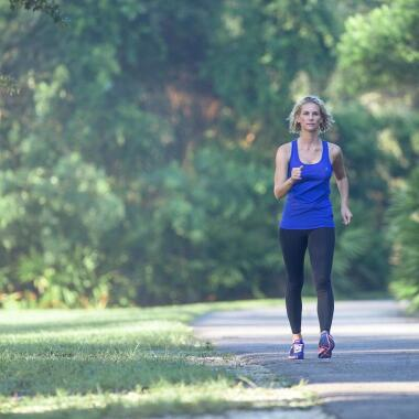Walking und Laufen: Worin besteht der Unterschied?