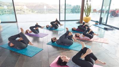 cc-tenu-yoga-doux-teasing.jpg