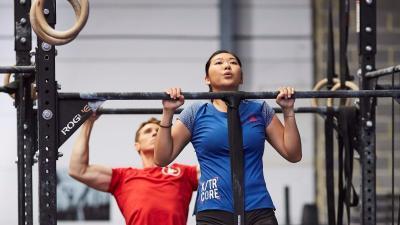 musculation-quels-exercices-avec-une-barre-de-traction-11.jpg