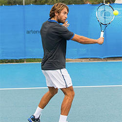balles-vives-avec-rebond-pour-joueur-regulier-de-tennis.jpg