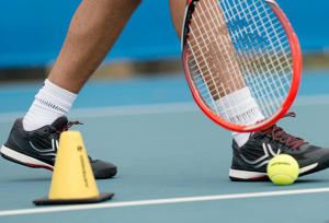 how to choose your adult tennis shoes