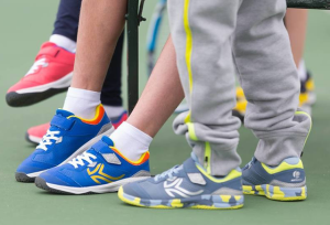 how to choose your kids tennis shoes