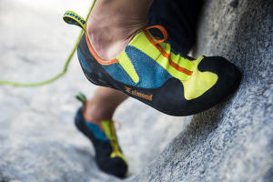how to choose climbing shoes