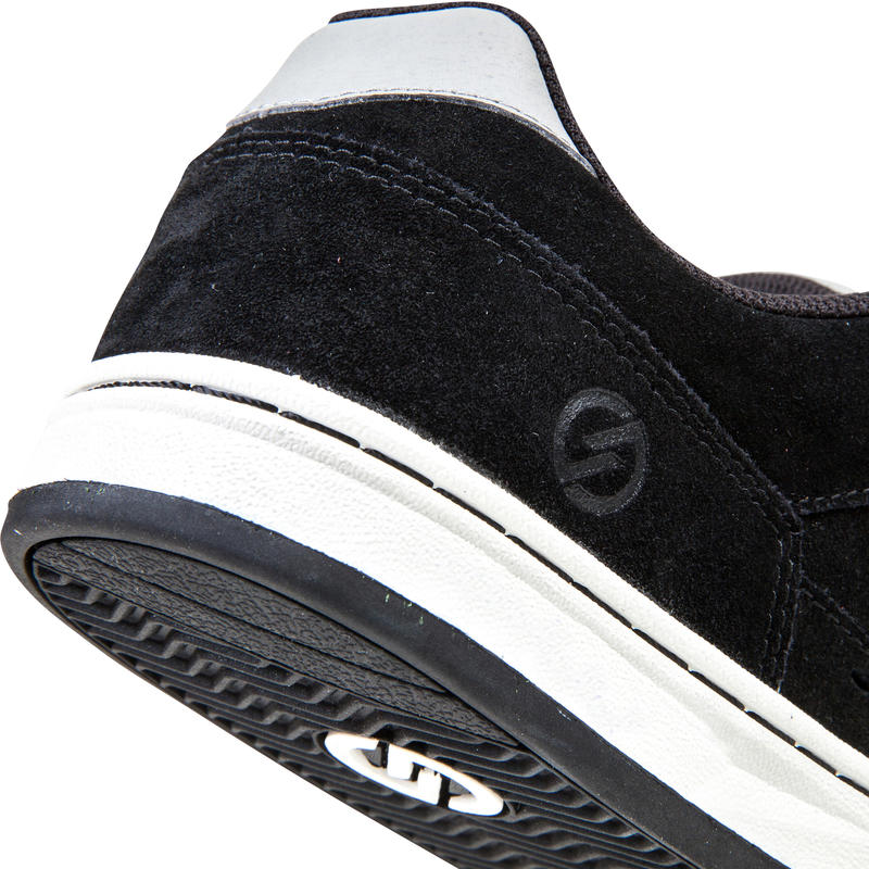 Crush Low V2 Adult Low-Rise Skateboarding Shoes - Black