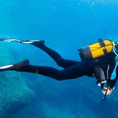 Come scegliere la muta da apnea o da pesca subacquea? | DECATHLON