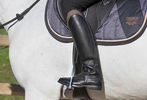 Hoe kies ik paardrijlaarzen?