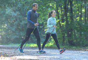 Hoe kies ik sportieve wandelschoenen?