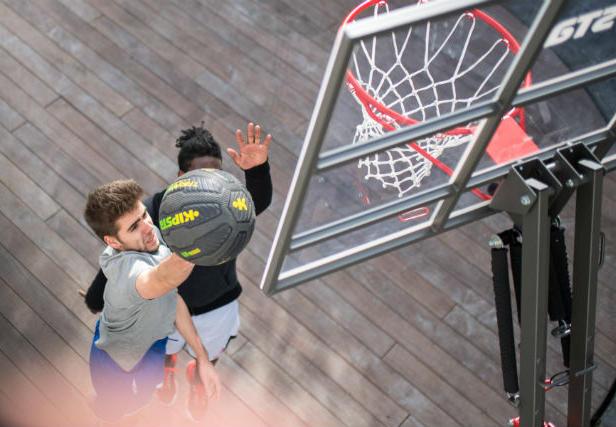 Hoe kies ik een basketbalpaal - thumbnail