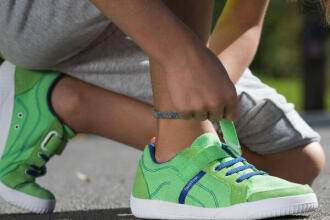 7 TIPS TO ENCOURAGE YOUR CHILD TO WALK (Import)