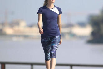 WALKING OUTDOORS: 6 GOOD REASONS TO STICK TO IT! (Import)