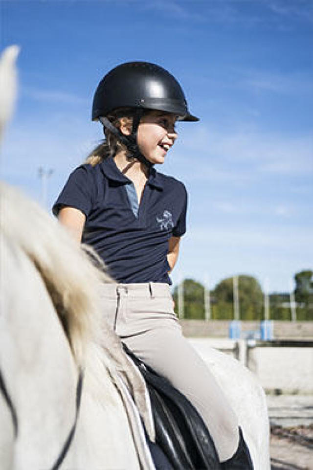 Enfant. Homme. Horse equipment. Cheval au repos 20f763b9258