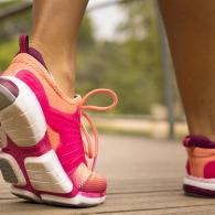 chaussure de marche sportive