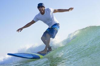 pourquoi porter un casque pour surfer