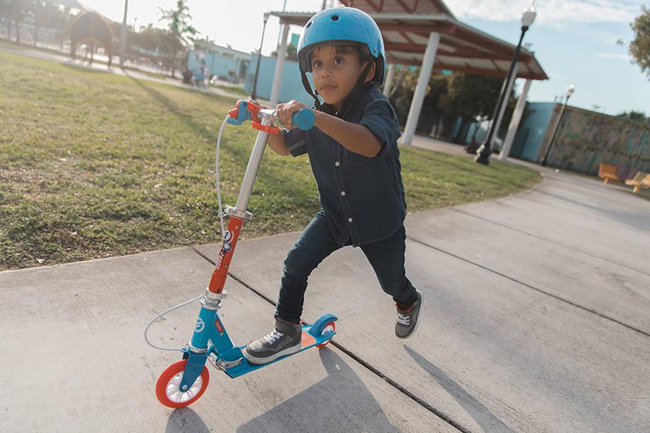 Trottinette enfant : en équilibre sur deux roues