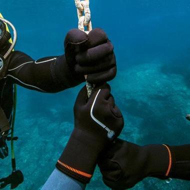 conseil comment choisir gants plongee sous-marine