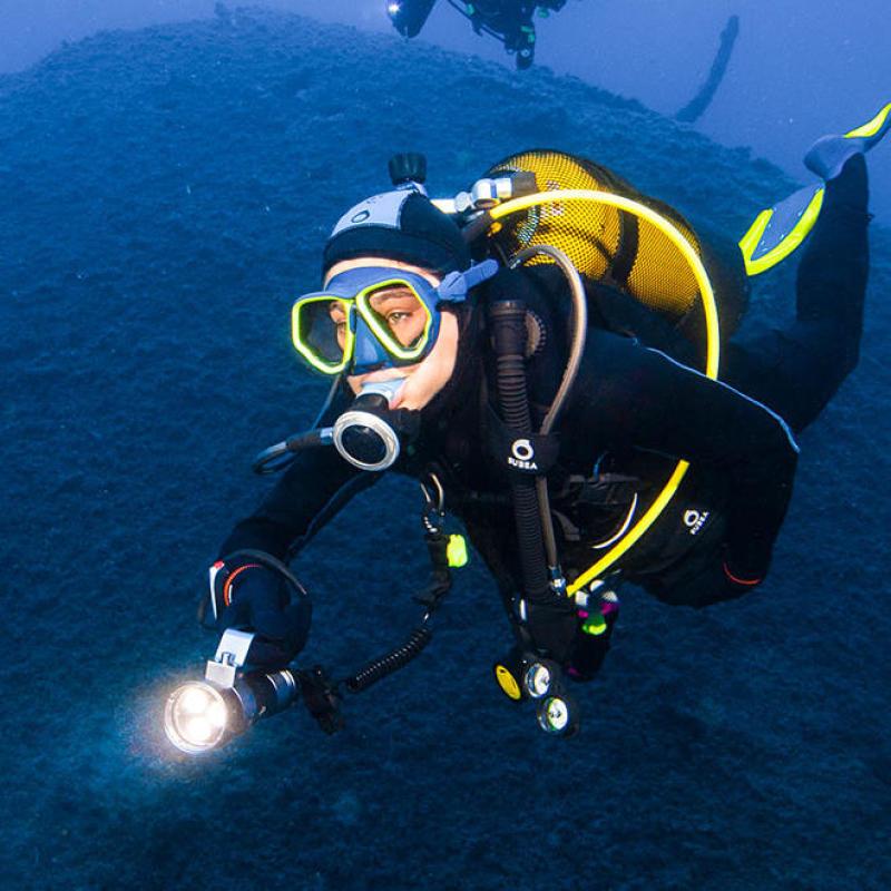 phare plongée subea test presse chercheurs d'eau