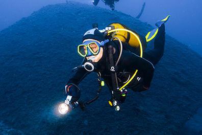 phare de plongée subea test presse chercheurs d'eau