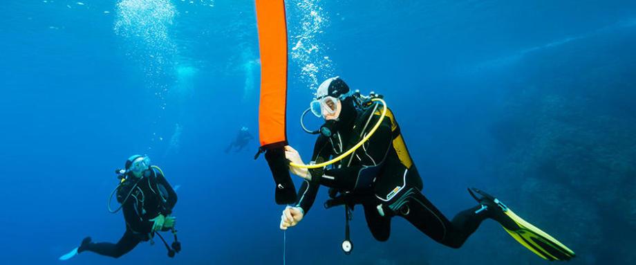 checklist matériel essentiel plongée bouteille sécurité parachute subea