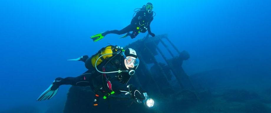 put on semi dry scuba diving suit tips subea