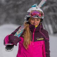 comment porter ses skis les astuces de wed'ze