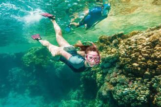 Como utilizar corretamente uma máscara e tubo de snorkeling ?