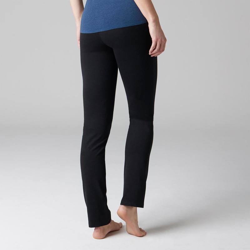 3705bdf5d3aa Női legging kímélő tornához, pilateshez 560-as, egyenes szár, fekete mintás