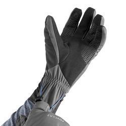 Guantes trekking montaña TREK 900 cortaviento adulto gris