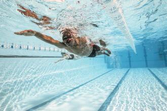 entrainement-natation-la-glisse-de-nage-en-crawl