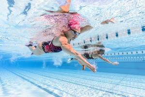 quels-accessoires-de-natation-pour-perfectionner-sa-technique-de-crawl