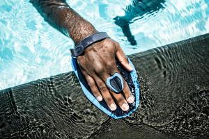 materiel-entrainement-natation-pour-les-bras