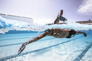 ameliorer-sa-technique-de-nage-avec-des-plaquettes
