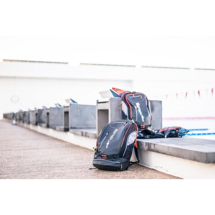 Rugzak zwemsport 40 liter 900 zwart/rood
