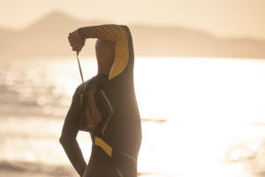 5 bienfaits physiques de la nage en mer