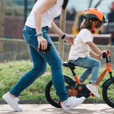 HOW TO TEACH YOUR CHILD TO RIDE A BIKE ?