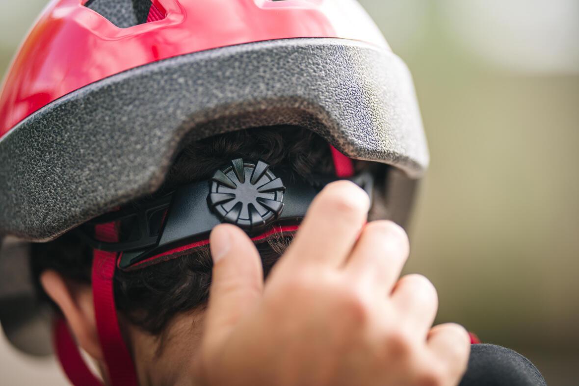 comment régler un casque de vélo enfant
