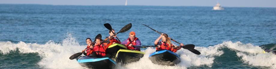 surfer-en-canoe-kayak