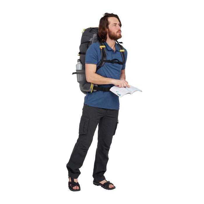 Polo manches courtes trekking TRAVEL 100 Homme bleu
