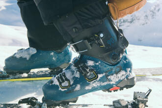 Hoe stel je de bindingen van je ski's af?