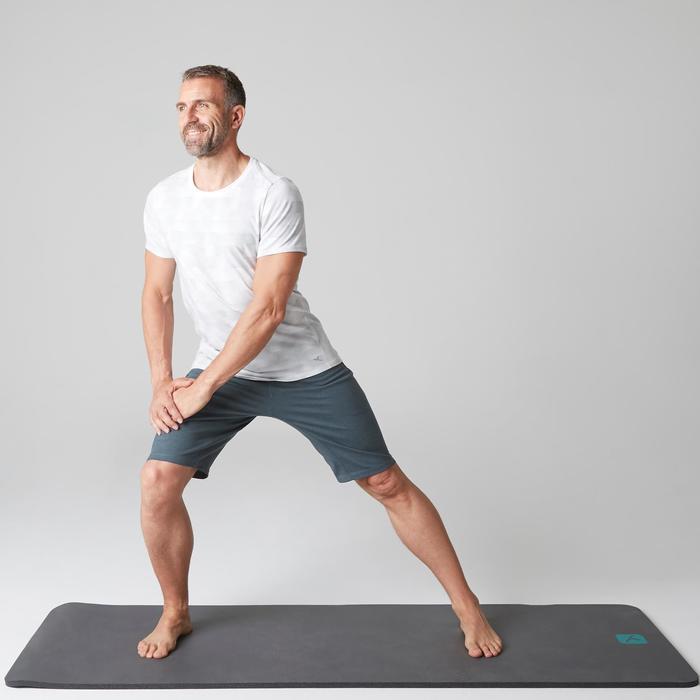 Herenshort 520 voor gym en stretching slim fit tot net boven de knie blauw AOP