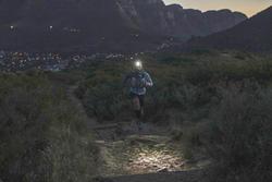 LAMPE FRONTALE COURSE SUR SENTIER ONNIGHT 210 BLEU - 100 LUMENS