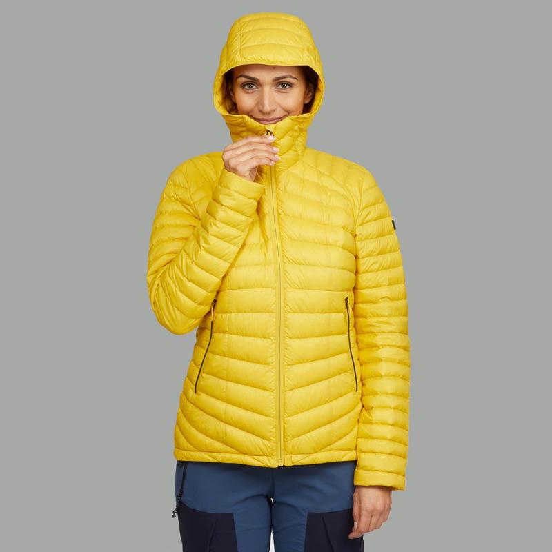 Chaqueta Acolchada de Montaña Trekking Forclaz TREK 500 Mujer Amarillo
