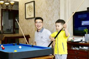 billiards-with-kids