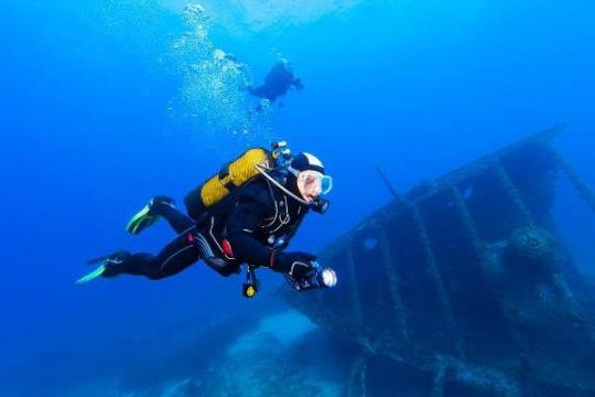 Interact Diving 636x400[8484468CC]TCI_SCENE_001