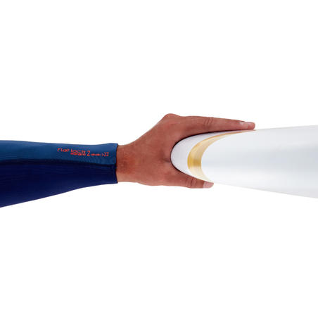 500 surfing longboard Comes with 3fins.